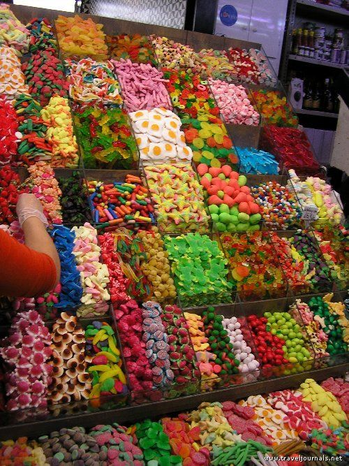 Had those gummy eggs from The Freaks Lunch Box candy store when Jeff and I were in Canada, sooo yummy!
