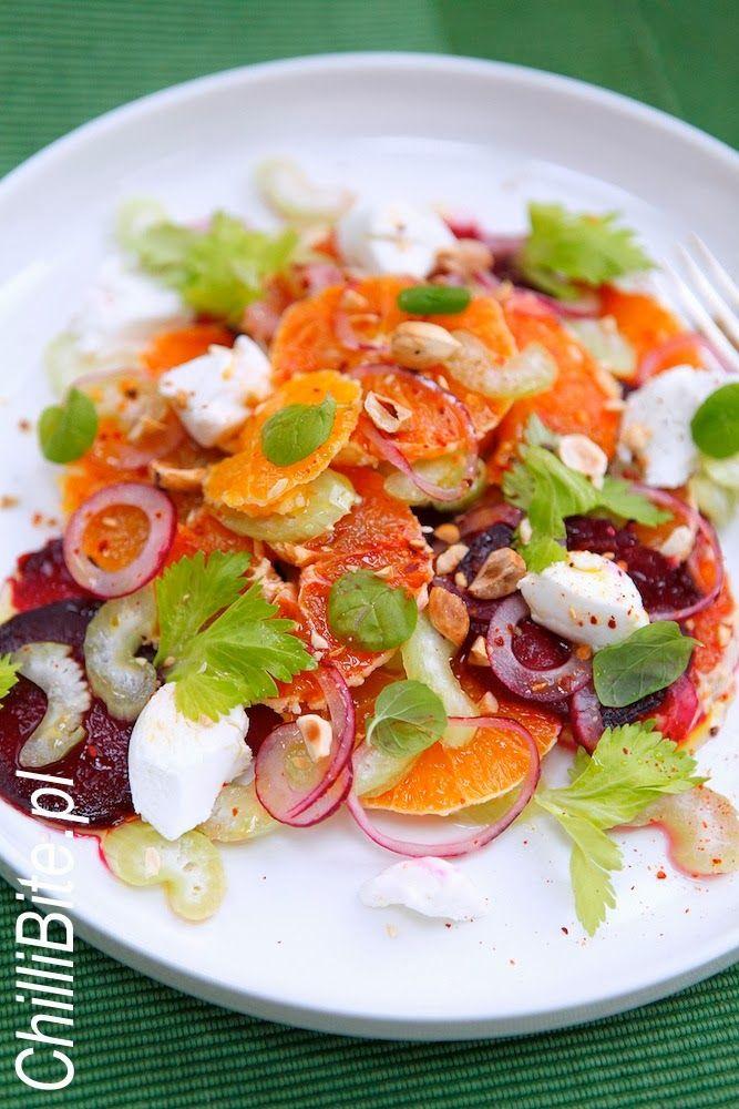 ChilliBite.pl - motywuje do gotowania! Świetne przepisy, autorskie zdjęcia i dobra energia :): Salata cud-miód z pieczonym burakiem i cytrus...