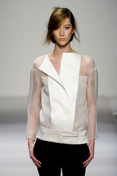 Sheer panel blouse & colourblock trousers; fashion details // Gianfranco Ferre