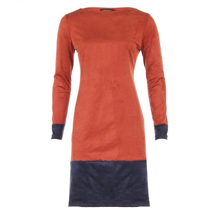 Jurk Charley in warme brique kleur met lange mouwen en boothals van SRNDPTY | Dresses Only