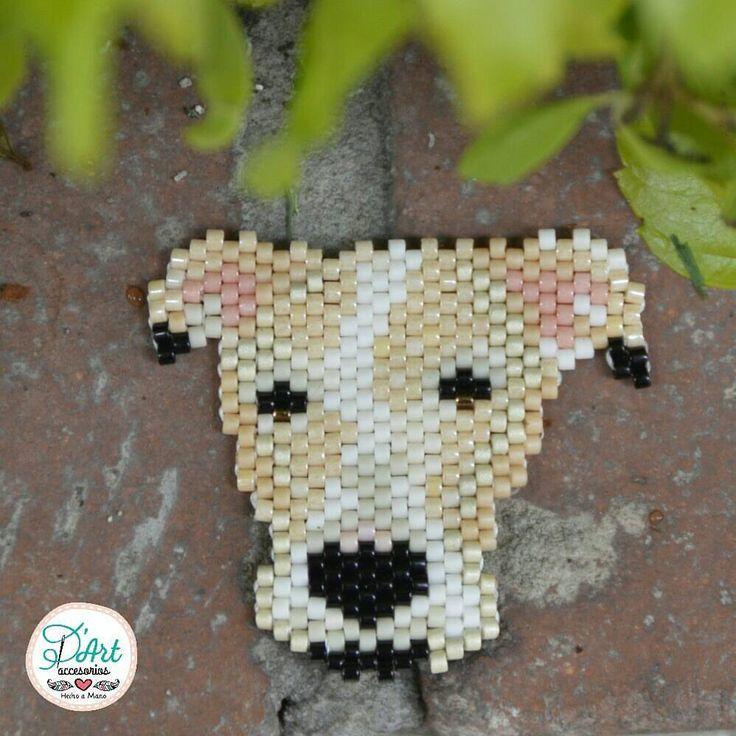 🐶 En D'Art tenemos una forma de hacerte feliz... Personalizamos tu mascota 😍 Un accesorio único tejido a mano 😊 Diseño original de D'Art accesorios 📷 By Yessika Hernández @yessikhd #accesoriosDArt #ginnaandyessika #originalaccesoriosdart #handmade #hechoamano #hechoencolombia 🇨🇴 #bogota #meencanta #usaquen #colombia #pets #petslove #dogs #amolosanimales #doglover #elmejoregalo #diseño #arte #photography #estilo #amomimascota #perritos #seacercanavidad #navidad