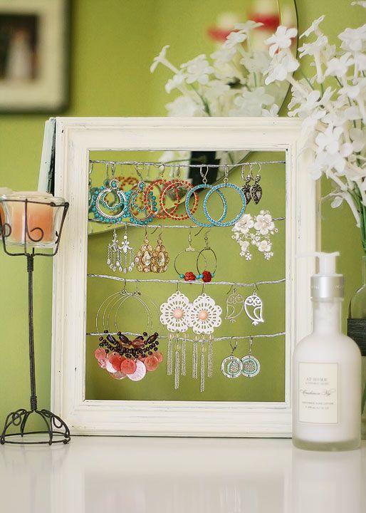Cute earring holder!: Dangly Earring, Earring Holders, Jewelry Displays, Diy Jewelry, Picture Frames, Earring Display, Craft Ideas, Earrings