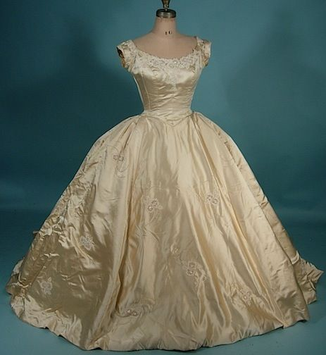 "c. 1956 PRISCILLA OF BOSTON, Sold at Neiman Marcus ,vintage wedding gown $1,485 Measures: up to 34"" bust, up to 30"" underbust, up to 24"" waist, 58"" long from shoulder to hem in front, 68"" long in the back, 78"" long with train"