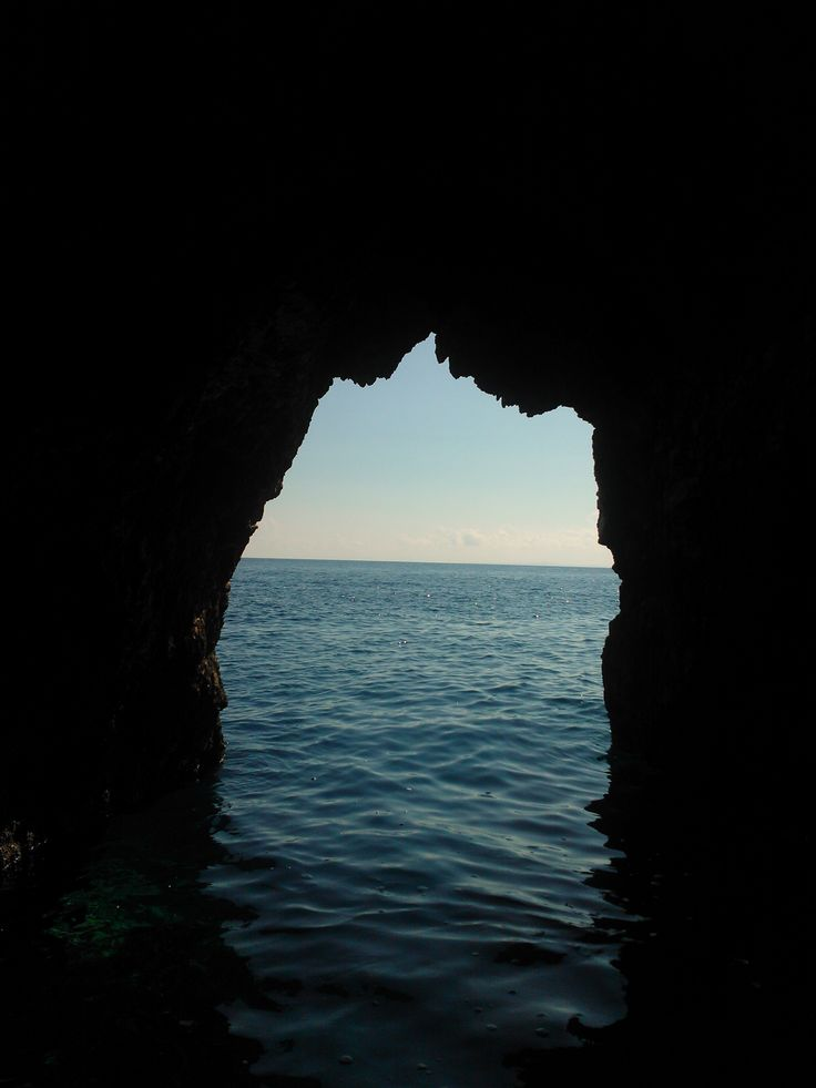 picture inside blue cave