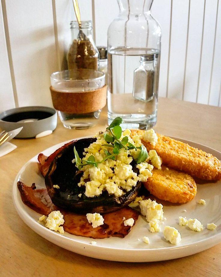 Brekkie of Champions  @southsidegeelong  #staytrue #geelong #coffee #awesome #barista #cafe #food #instafood ##foodporn #lunch #breakfast #potd #yolo
