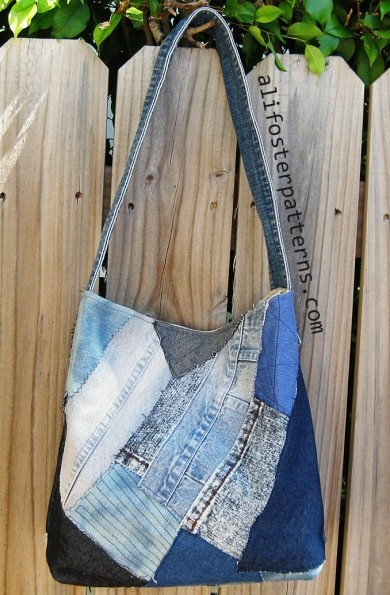 DIY Denim Patchwork Hobo---Good use for all the pieces left over from the jean quilts.