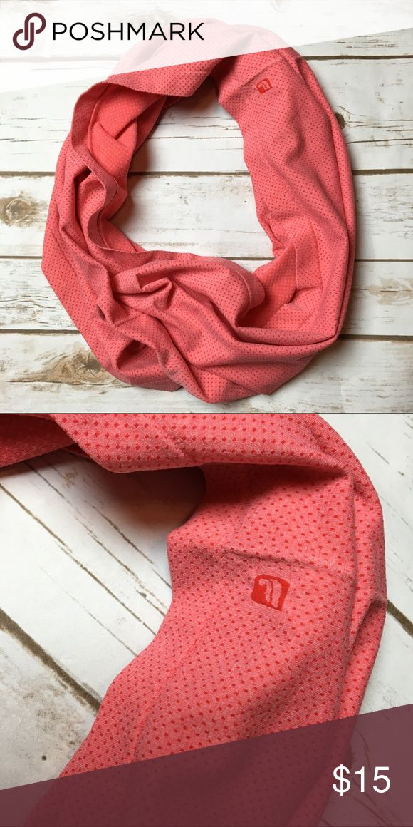 Coral fabletics infinity scarf This fabletics scarf is perfect for any fall or winter outdoor workout! It's a coral color and is made of a stretchy workout like material. I ❤️ offers! Fabletics Accessories Scarves & Wraps