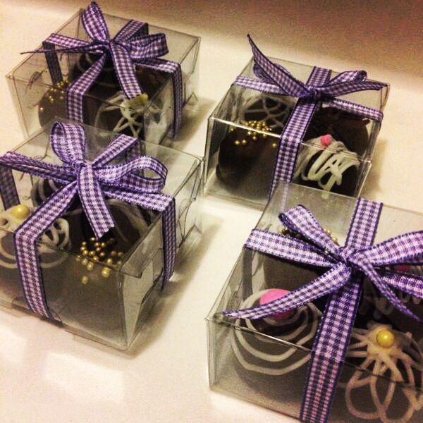 #trufas #gift #purple #chocolate #almond #regalo