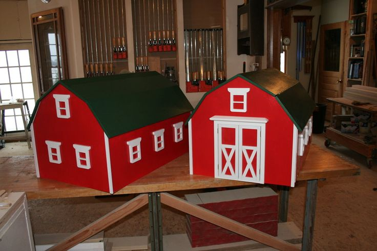 Free woodworking plans to build toy chests and toy storage boxes for children of all Watch this video and build a barn shaped toy box with plenty of