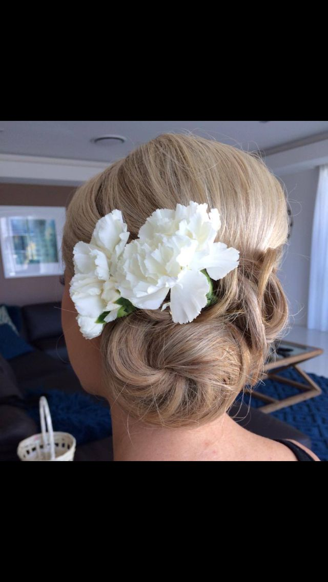Wedding Hair by my good friend Angela, Salonmae. I had an idea and she made if happen x