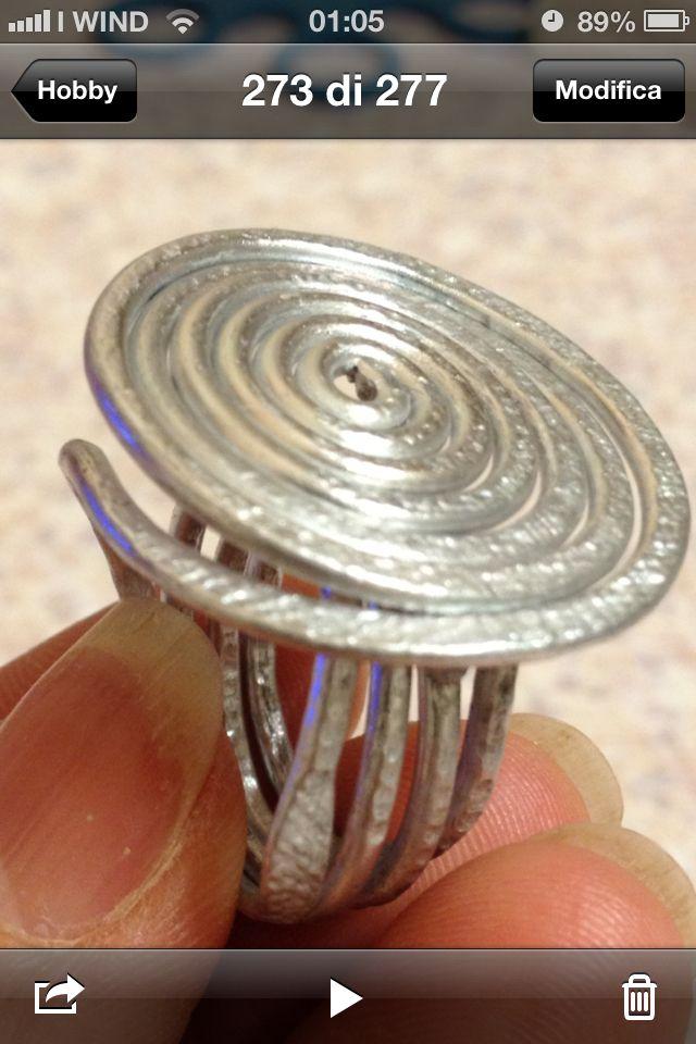 Anello a spirale in filo di alluminio