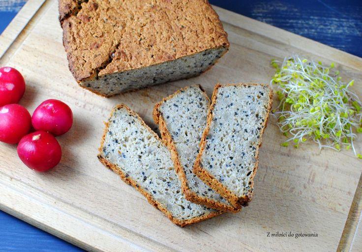 Chleb bezglutenowy z czarnuszką i słonecznikiem
