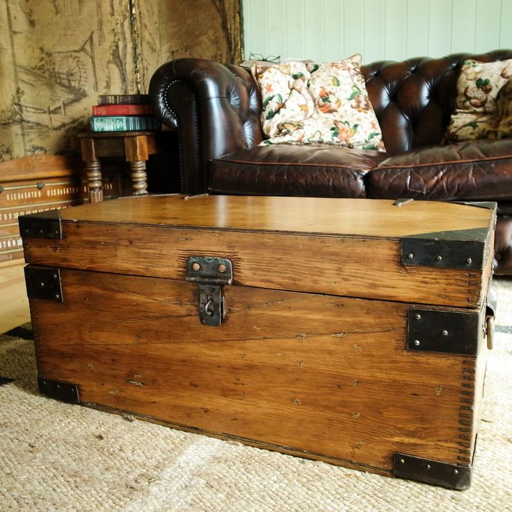 Exceptional VINTAGE INDUSTRIAL CHEST Storage Trunk MID CENTURY CHEST Coffee Table PINE  BOX