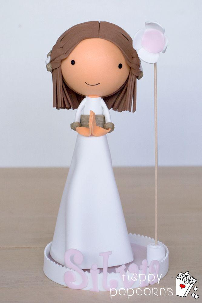 Y yo sin enseñar la muñequita de Silvia!!! no os parece un regalo súper especial para su comunión? hola@happypopcorns.com www.happypopcorns.com #fofucha #fofuchapersonalizada #fofuchacomunión #comunión #regalocomunión #regalosespeciales #recuerdosespeciales #muñecacomunión