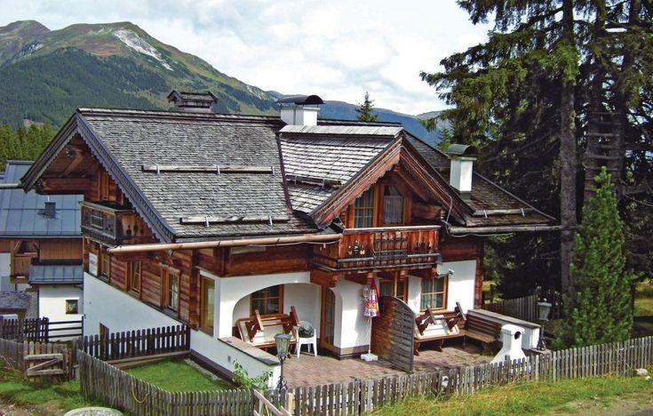 Vakantiewoning - Krimml, Salzburgerland - Oostenrijk. 6-persoons appartement. Hoch Krimml ligt op een hoogvlakte op ca. 1600 meter hoogte aan de grens van Salzburg naar Tirol. Dit is een exclusief en gezellig huis met twee appartementen. Bezoek de Krimmler watervallen en de Stausee. Meer info: http://www.novasol.be/p/ASA386
