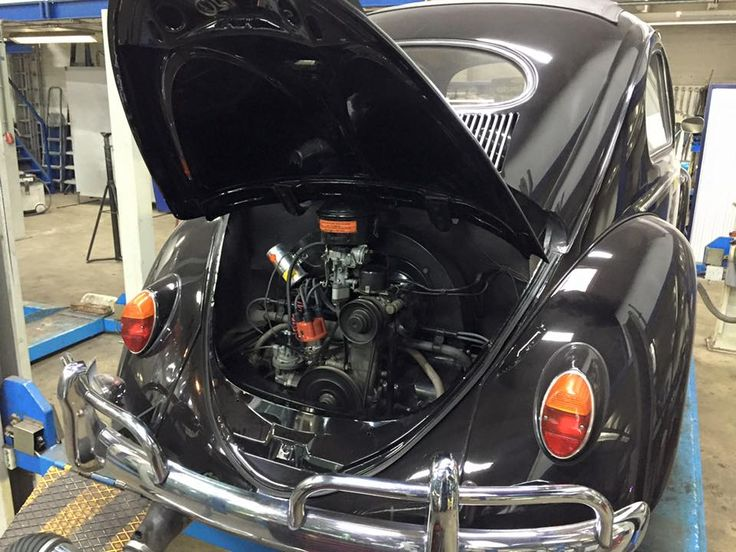 Conversion of this VW Oval Beetle to a carburettor with automatic choke and an upgrade to electronic ignition. For again a lot of pleasurable kilometers. -  Ombouw van deze ovaal naar carburateur met automatische choke en een upgrade naar elektronische ontsteking. Voor weer een hoop plezierige kilometers.