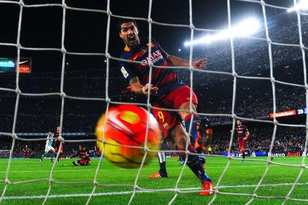 Luis Suarez Photos: FC Barcelona v Real Betis Balompie - La Liga