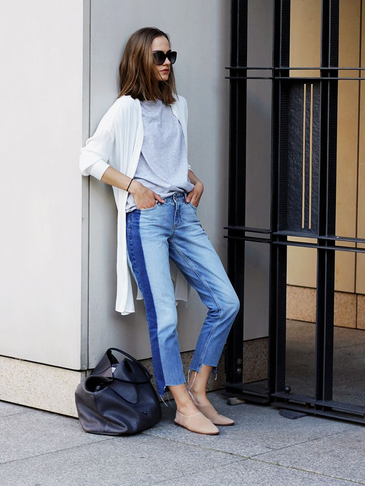The Absolute Hottest Jeans Trend Right Now