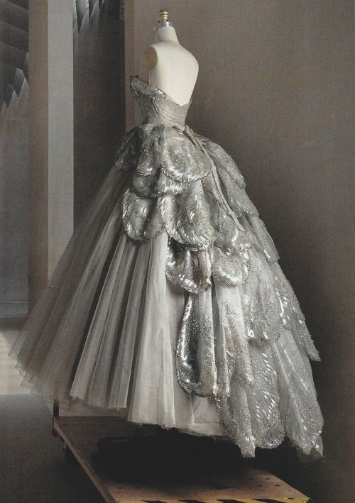 "vuittonv: "" Christian Dior Haute Couture silk taffeta-and-tulle dress, fall 1949. ph. Annie Leibovitz. Vogue US (May 2016). """