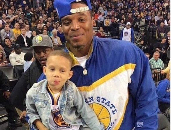 I never realized how big Cam Newton really is. He makes Steph Curry look like a little kid. http://ift.tt/2pPLgIu Love #sport follow #sports on @cutephonecases