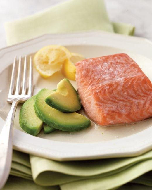Steamed Salmon with Avocado RecipeFun Recipe, Steam Salmon, Shrimp Recipe, Healthy Breakfast, Avocado Recipe, Salmon Fillet, Salmon Recipe, Healthy Food, Healthy Living