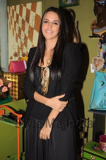 Neha Dhupia wears Rashmi Dogra necklace to the launch of Fluke store http://shar.es/so6Zd