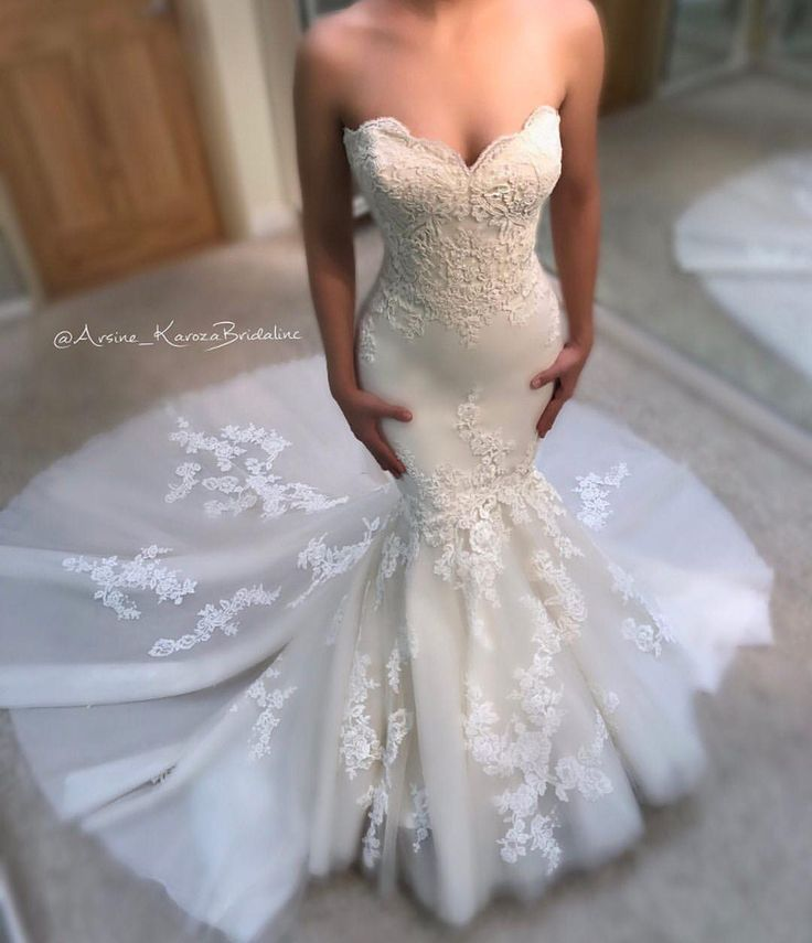 """1,435 Likes, 5 Comments - Strictly Weddings (@strictlyweddings) on Instagram: """"Well... hello, beautiful! @enzoani is turning heads with this show stopping bridal beauty! Photo:…"""""""