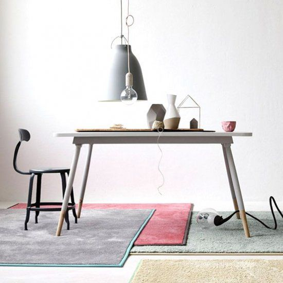 The range of creative interplay between colours in the RUGX BE DIFFERENT collection – unconventionally trendy in neon or pastel shades.