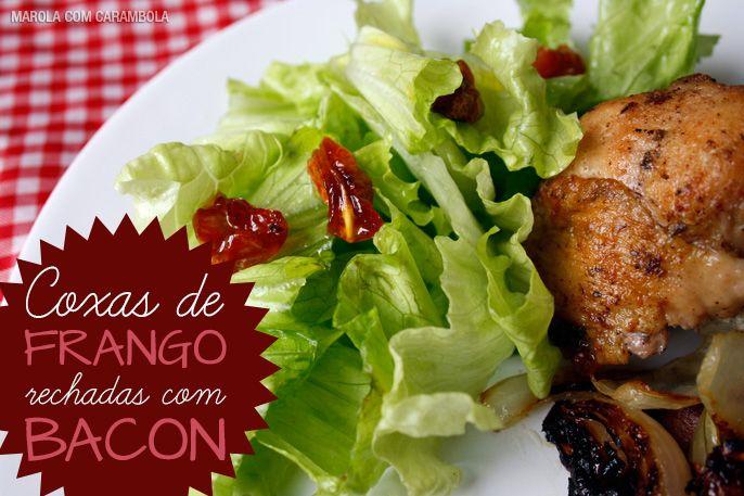 A melhor receita de coxas de frango recheadas com bacon e queijo. Ficam perfeitas com uma ótima salada.