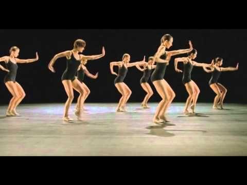 Ballet & dance   Black & White    Netherlands Dance Theatre   Choreography   Jiri Kylian, Music – Steve reich, directed   Hans Hulscher     Dance 6:  Minimal music en minimal dance: ritme en beweging verder niets. geen verwijzingen naar, geen expressie. Puur, zoeken naar essentie.