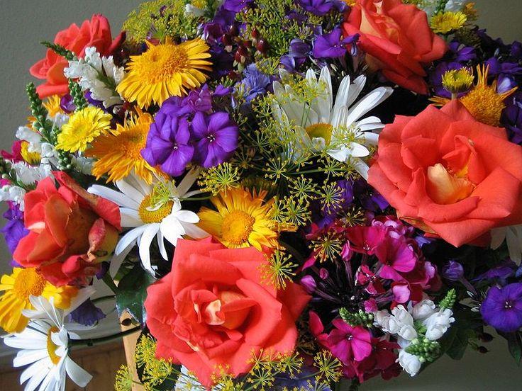 Unlike A Formal Arrangement Bouquet Is Collection Of Flowers Arranged Outside