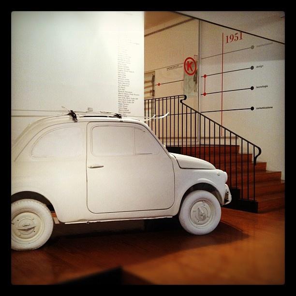 Kartell Museum | Sky Rack 101 (1949) Amazing garden decoration/storage unit- white painted car!