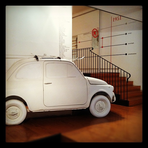 Kartell Museum | Sky Rack 101 (1949) Amazing garden decoration/storage unit- white painted car!