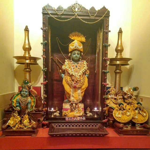 Hindu Wedding Altar: 106 Best Images About Pooja Space On Pinterest