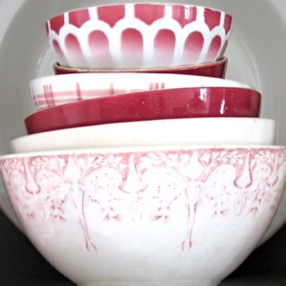 Bowls red transfer ware