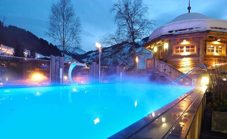 Outdoor Pool im HOTEL ALPINE PALACE*****S  #pool #outdoor #swimming #winter #austria #winterwonderland #nature #mountains #hotel #wellnesshotel #luxury #luxushotel #luxurystay #gourmet #sport #active