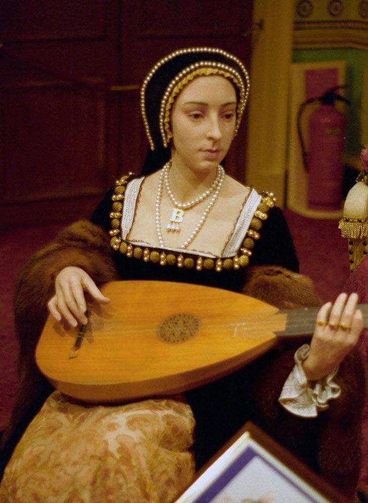 Madame Tussauds Anne Boleyn | Wax figure of Anne Boleyn at ...