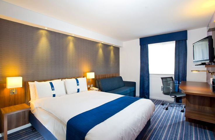 #HolidayInnExpressYork is the perfect place to stay if you are looking for #hotelsinYork providing bed and breakfast with luxurious beds and free parking. http://bit.ly/1JMOsqA