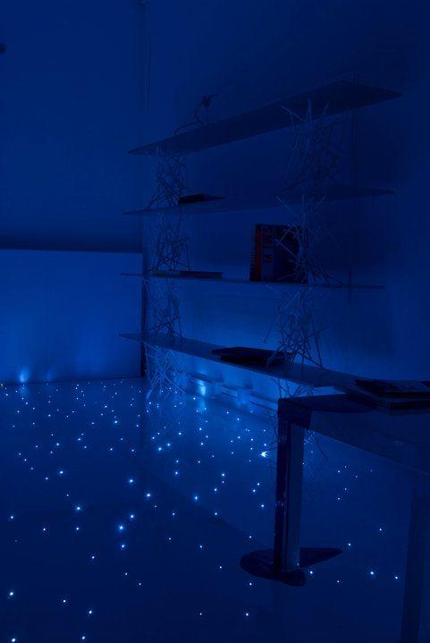 pavimento in resina illuminato da fibre ottiche realizzato da I-PLUS ( https://www.facebook.com/iplus.it/photos_stream)