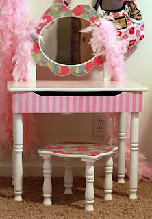 A-freakin-dorable little girl vanity makeover! Why oh why don't I have a daughter?!