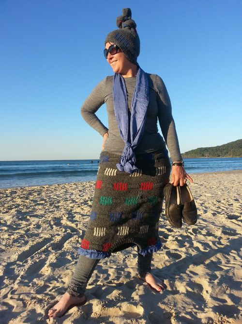 Sew 191 - Beach beanie and jumper skirt - remove sleeves from men's jumper and turn upside down to become a skirt, while sleeve is knotted to become beanie