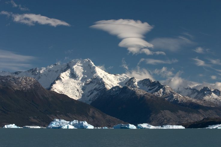 http://upload.wikimedia.org/wikipedia/commons/c/c7/Lake_Argentino_northern_arm_Lago_Argentino_Brazo_Norte_Patagonia_Argentina_Luca_Galuzzi_2005.JPG