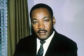 Martin Luther King (1929-1968) nasceu em Atlanta, nos Estados Unidos, no dia 15 de janeiro de 1929. Filho e neto de pastores protestantes batistas resolveu seguir pelo mesmo caminho. Em 1951 gradua-se em Teologia na Morehouse College. Em seguida cursa doutorado em Filosofia pela Universidade de Boston.  Em