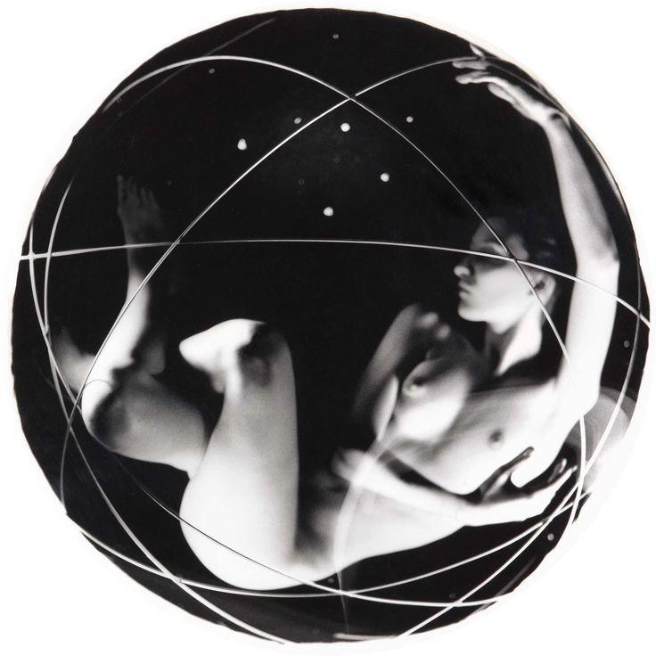 El Espacio Poseido. círculo. javier Vallhonrat ca. 1989