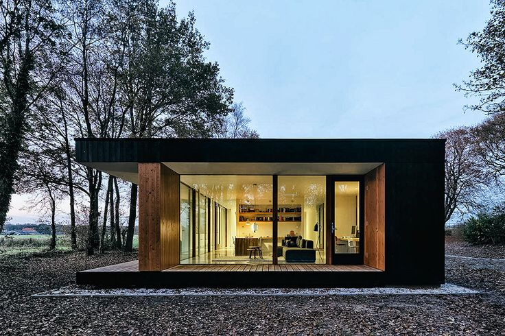 Set between two villages in the northern Netherlands, the Makkinga House replaces a cramped, closed-off home with an open, airy structure. The east side is home to the entrance, but otherwise closed for privacy, while the western side is used...