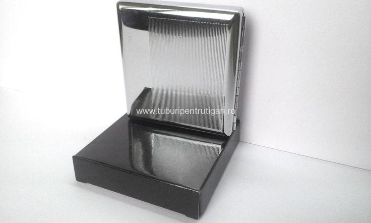 Tabachere cromate - capacitate 18-20 tigari; diverse modele Comenzi pe www.tuburipentrutigari.ro