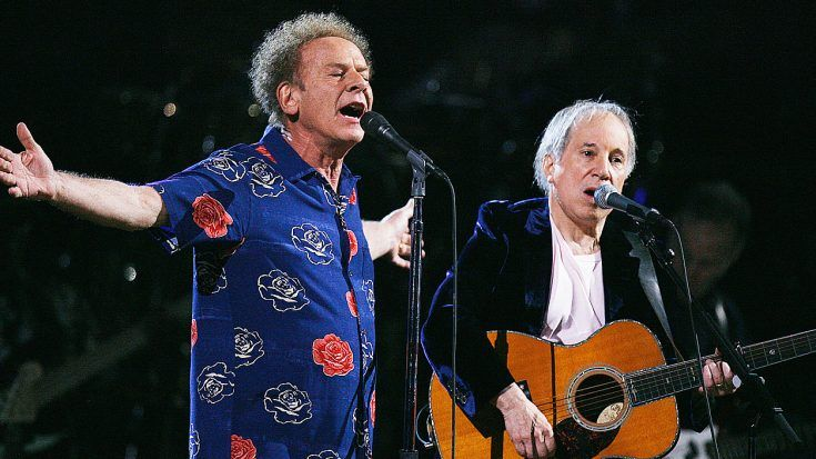 Even 52 Years Later, Simon & Garfunkel Perform 'Sound Of Silence' Like Only They Can!