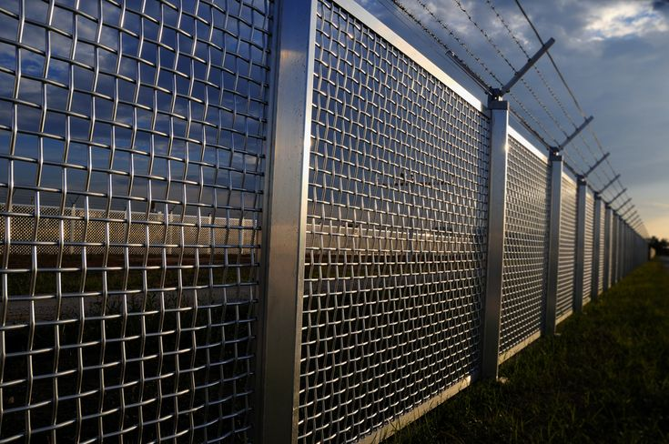 High Security Fences by The Norlap Fencing company in Hertford. Tel 01992 350222 or 07850 313258