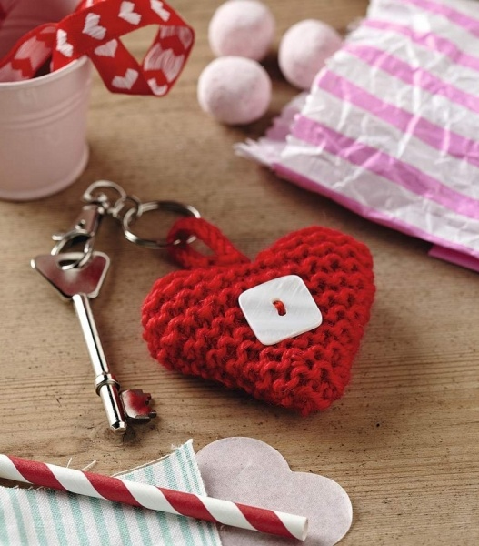 Love this little heart.  Great gift for anyone.