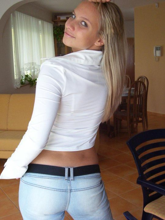 Chatting with hot girls has never been easier! Check our sexy chat platform